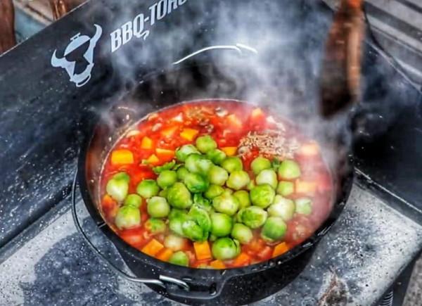 Dutch-Oven-BBQ-Toro-Rezept-Rosenkohl-Dopf